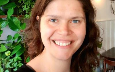 Erfahre die Kraft des Lachens mit Martine Beernink 🇬🇧