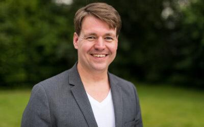 Humor in Religion und Kirche: Interview mit Pfarrer und Cartoonist Dr. Holger Pyka